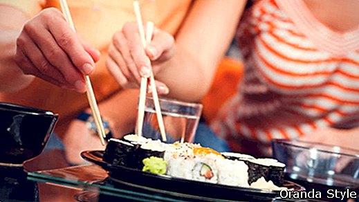 Wie man Sushi zu Hause macht