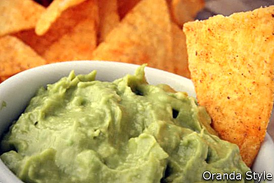 guacamole a tortilly
