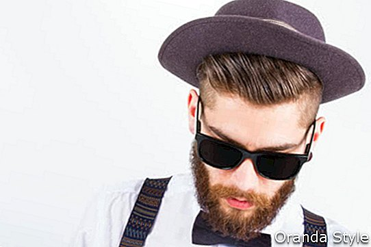 hipster-man-with-beard, -hat-and-sunglasses